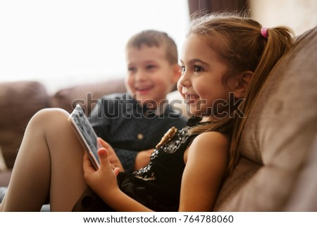 少年 デジタル タブレット 座って ソファ ストックフォト © Lopolo