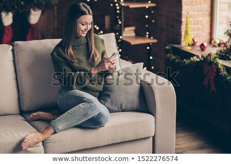 fényes · nő · küldés · szöveg · nappali · telefon - stock fotó © photography33