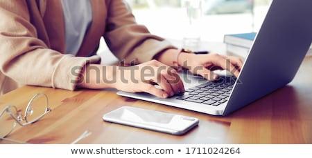 очаровательный · бизнеса · черную · женщину · ноутбука · портрет · исполнительного - Сток-фото © dolgachov