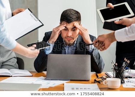 Overbelasten persoon leggen brieven Stockfoto © soupstock