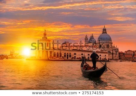 Coucher du soleil Venise couple marche quai vieille ville Photo stock © joyr