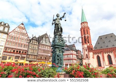 Dame justitie sculptuur Frankfurt Duitsland oude binnenstad Stockfoto © AndreyKr