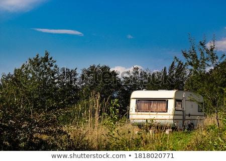 Klassiek oude kampeerder grasveld mooie bomen Stockfoto © feverpitch
