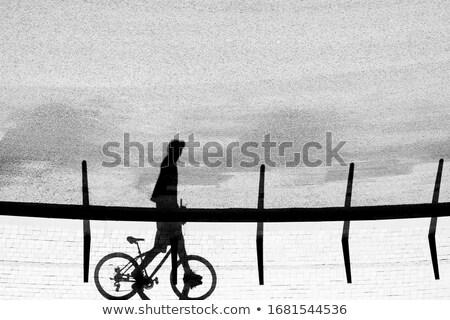 ciclismo · homem · óculos · de · sol · rua - foto stock © stevanovicigor