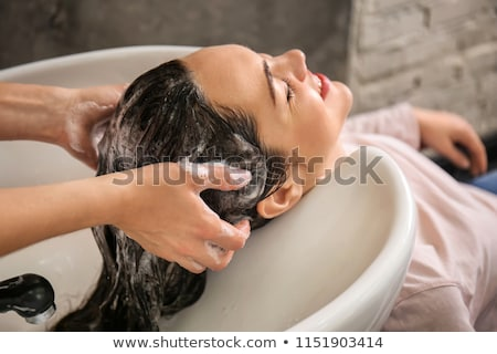 fiatal · nő · mosás · fodrászat · nők · vásárló · boldogság - stock fotó © wavebreak_media