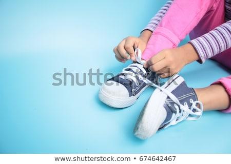 Kid chaussures mot apprendre table en bois bureau Photo stock © fuzzbones0