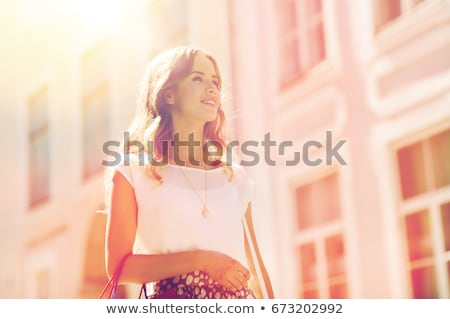 mutlu · kadın · yürüyüş · şehir · satış - stok fotoğraf © deandrobot