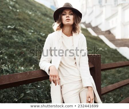 Moda modelo mujer posando sombrero Foto stock © julenochek