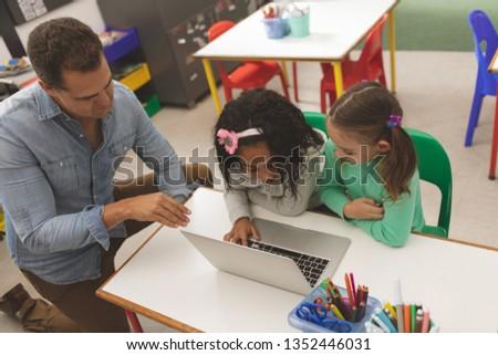 Vista dos escuela ninas de trabajo Foto stock © wavebreak_media