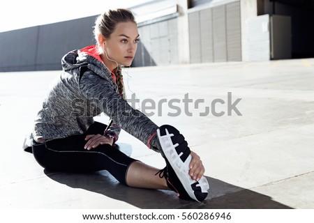 Portré egészséges gyönyörű fiatal nő sportok nő Stock fotó © Lopolo