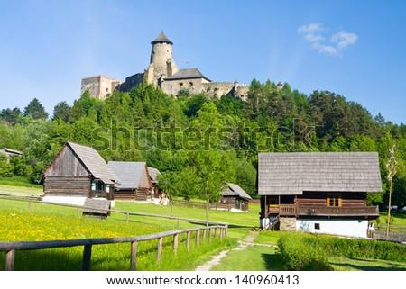 Landschap kasteel Slowakije rivier hemel veld Stockfoto © borisb17