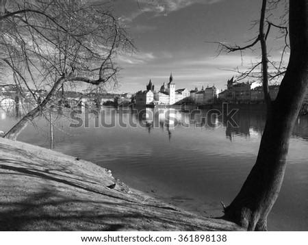 мнение острове пешеходный мост следующий моста Прага Сток-фото © CaptureLight