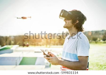 若い男 リモート 着用 バーチャル 現実 眼鏡 ストックフォト © DisobeyArt