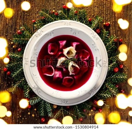 Navidad remolacha sopa pequeño setas relleno Foto stock © joannawnuk