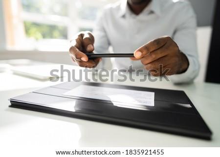 удаленных проверить депозит фото мобильного телефона Сток-фото © AndreyPopov