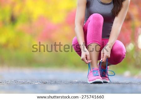 Fitness woman eğitim jogging sonbahar park genç Stok fotoğraf © boggy