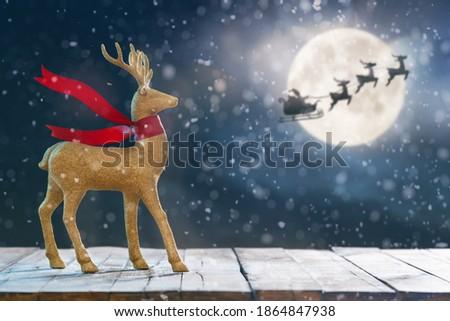 Złota wesoły christmas złoty Święty mikołaj sanie Zdjęcia stock © beaubelle