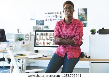 Portré fiatal női grafikus designer kezek Stock fotó © wavebreak_media