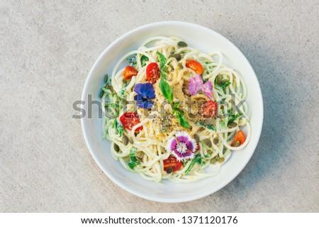 Lezzetli kabak spagetti salata ıspanak kabak Stok fotoğraf © vkstudio
