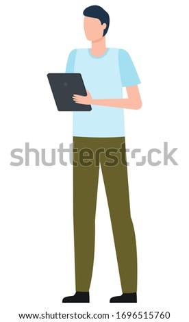 Férfi tart tabletta logisztika világszerte vektor Stock fotó © robuart