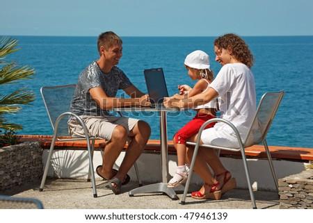 Familia tres personas mar hija madre Foto stock © Paha_L