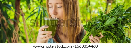 Jeune femme boissons céleri jus saine boire Photo stock © galitskaya