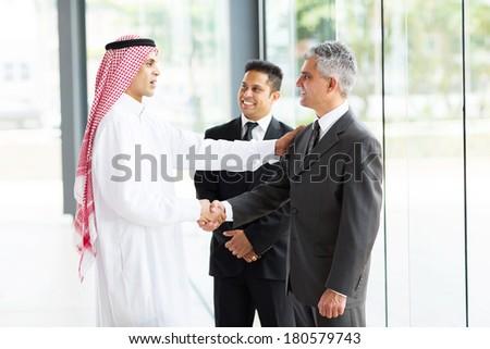 Сток-фото: бизнесмен · кавказский · человека · Постоянный · за · пределами