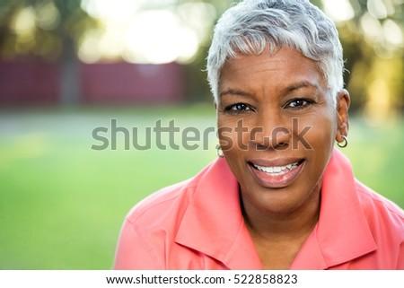 Portré figyelmes idős afroamerikai nő ül Stock fotó © wavebreak_media