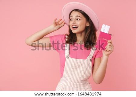 Foto animado menina seis passaporte Foto stock © deandrobot