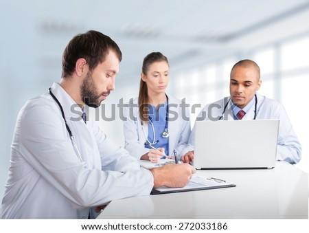 Widok z boku młodych kobiet lekarza medycznych Zdjęcia stock © wavebreak_media