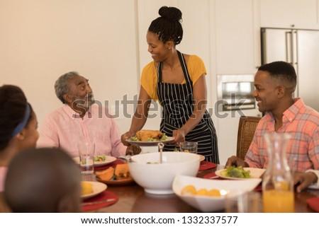 Afro-amerikaanse vrouw voedsel Stockfoto © wavebreak_media
