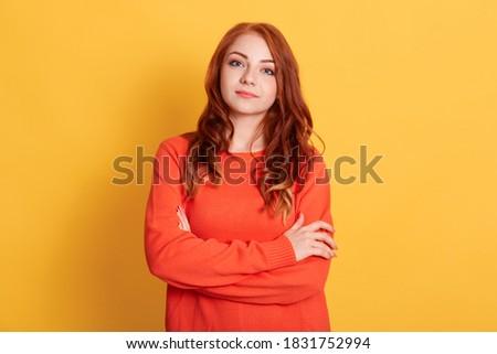 Afbeelding vrouw gember haren make-up hand Stockfoto © vkstudio
