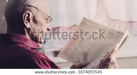 Man reading newspaper Stock photo © photography33
