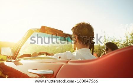 Vrouw zonnebril vergadering autosleutels jonge mooie vrouw Stockfoto © vlad_star