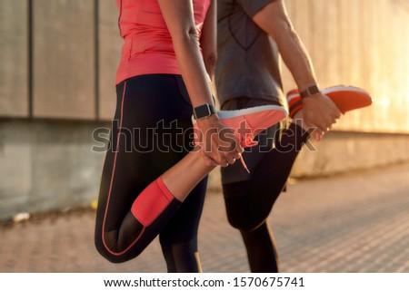 Obraz zdrowych sportowe kobieta wykonywania sztanga Zdjęcia stock © deandrobot