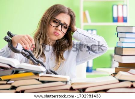 Fiatal női diák asztal vizsgák sok Stock fotó © Elnur