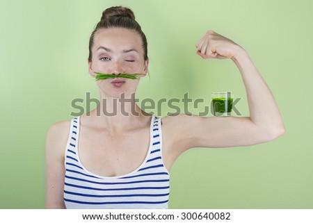 Poderoso mulher saudável verde beber jovem Foto stock © dashapetrenko