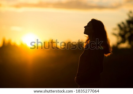 Mooie vrouw permanente witte web communicatie Stockfoto © wavebreak_media