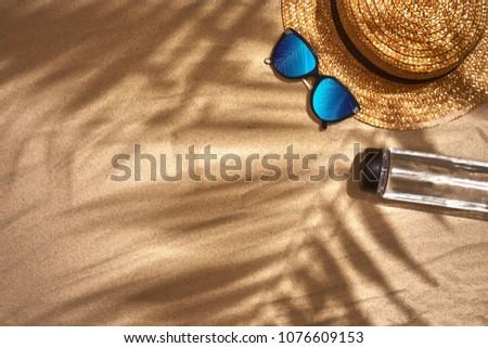 Plaży wakacje kobieta słomkowy kapelusz Zdjęcia stock © amok