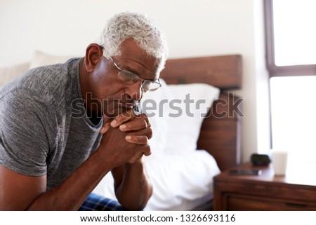 Vista laterale senior african american uomo seduta Foto d'archivio © wavebreak_media
