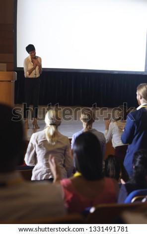 フロント 表示 美しい アジア 女性実業家 観客 ストックフォト © wavebreak_media