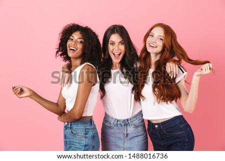 drie · vriendinnen · witte · geïsoleerd · meisje · glimlach - stockfoto © photography33