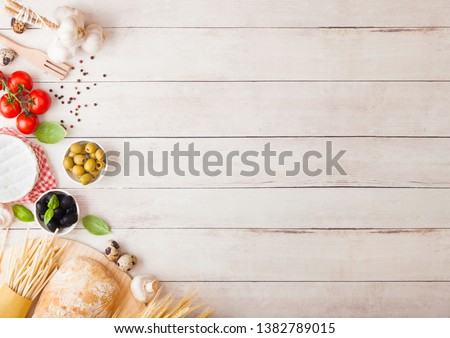 Házi készítésű spagetti tészta tojások üveg paradicsomszósz Stock fotó © DenisMArt