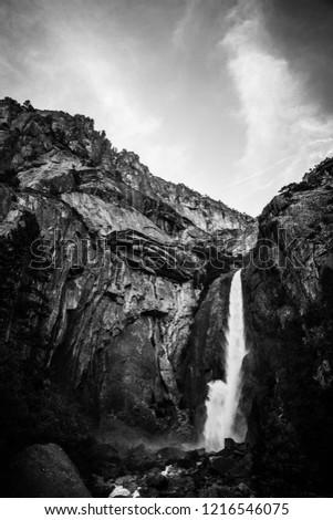 Waterfall (black and white) Stock photo © Nneirda