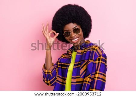Meisje gebaar Stockfoto © Paha_L