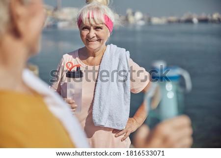 мнение старший женщину питьевая вода тренировки Сток-фото © wavebreak_media