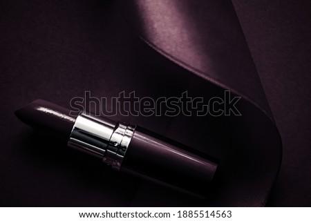 Luxe rouge à lèvres soie ruban sombre pourpre Photo stock © Anneleven