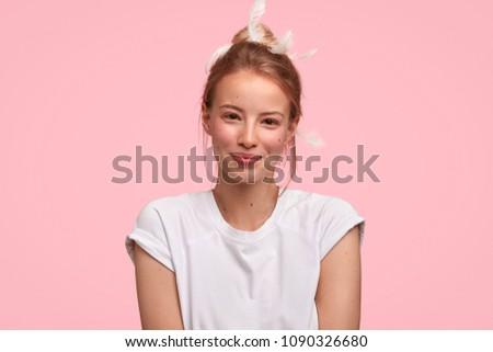Horizontal tiro jovem europeu menina compensar Foto stock © vkstudio