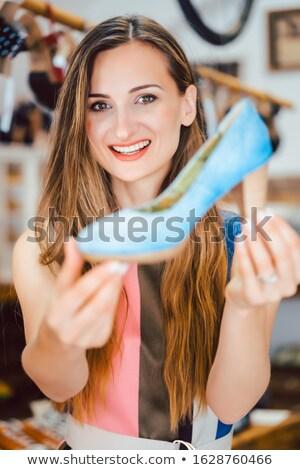 Nő vásárlás cipők szeretet kék magassarkú Stock fotó © Kzenon
