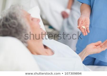 enfermeira · drogas · paciente · hospital · mulher · medicina - foto stock © wavebreak_media